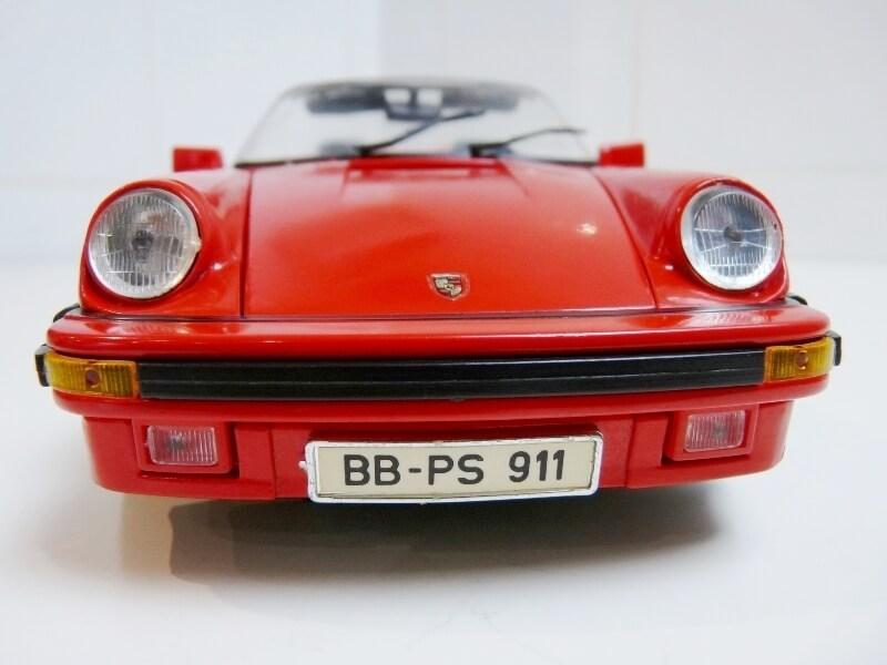 Porsche 911 Speedster - 1989 - Maisto Trophee 1/18 ème Porsch54