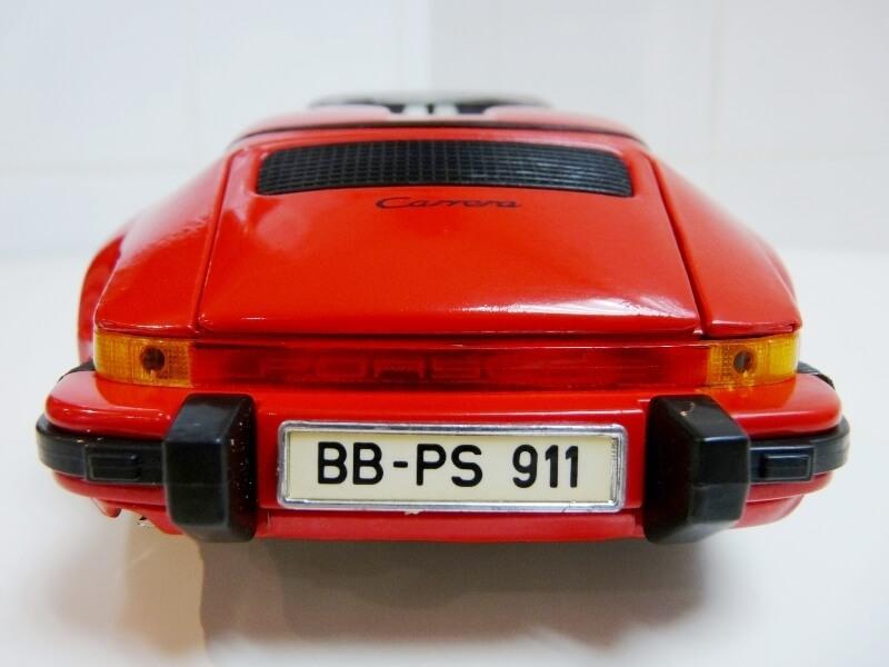 Porsche 911 Speedster - 1989 - Maisto Trophee 1/18 ème Porsch55