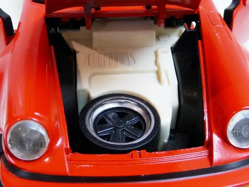 Porsche 911 Speedster - 1989 - Maisto Trophee 1/18 ème Porsch65