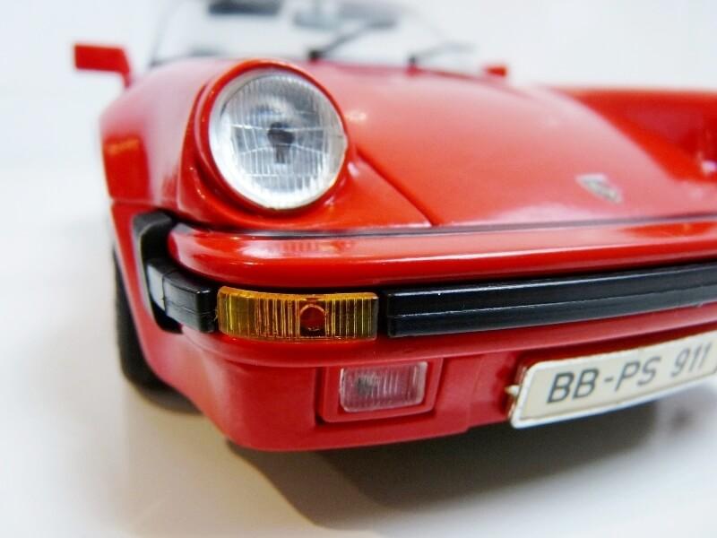 Porsche 911 Speedster - 1989 - Maisto Trophee 1/18 ème Porsch68