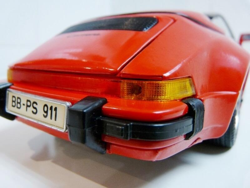 Porsche 911 Speedster - 1989 - Maisto Trophee 1/18 ème Porsch69