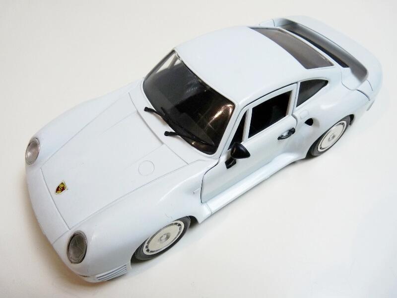Porsche 959 - 1990 - Tonka Polistil 1/18 ème Porsch73