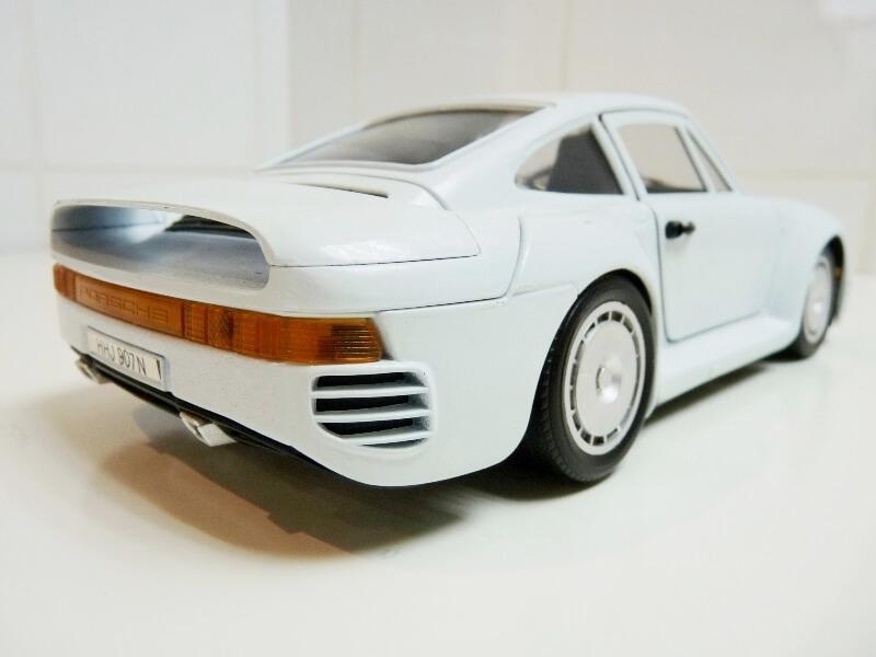 Porsche 959 - 1990 - Tonka Polistil 1/18 ème Porsch84