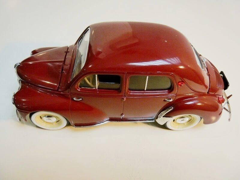 Renault 4 CV - 1954 - Solido 1/18 ème Renaul19