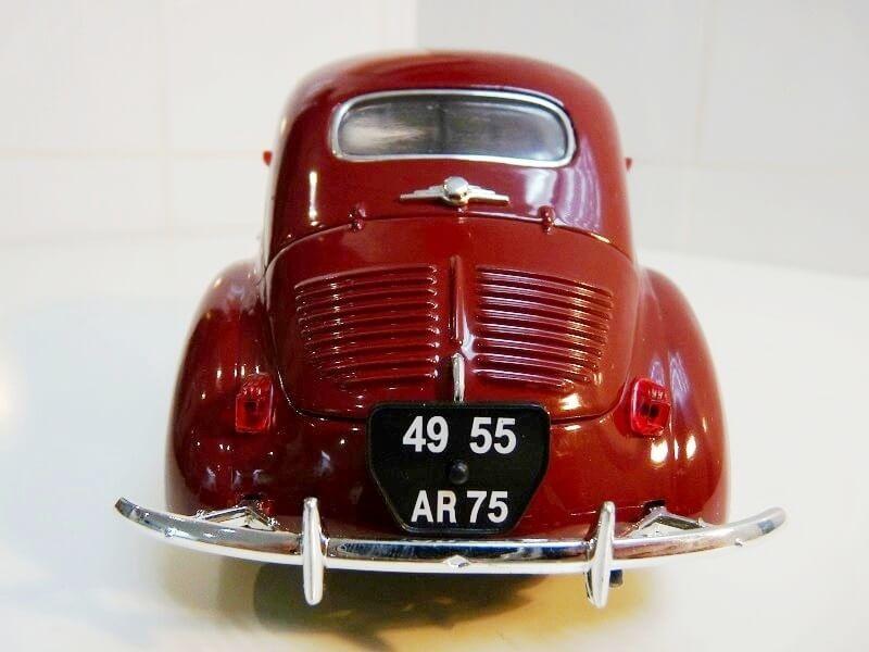 Renault 4 CV - 1954 - Solido 1/18 ème Renaul21