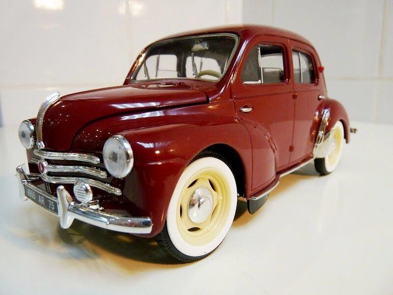 Renault 4 CV - 1954 - Solido 1/18 ème Renaul23
