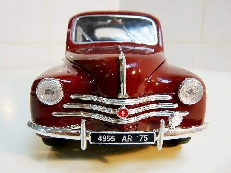 Renault 4 CV - 1954 - Solido 1/18 ème Renaul24
