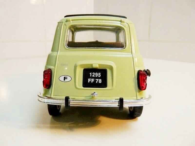 Renault 4L - 1962 - Solido 1/18 ème Renaul32
