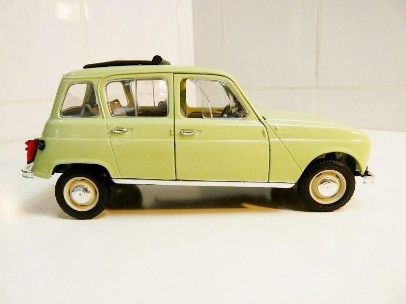 Renault 4L - 1962 - Solido 1/18 ème Renaul33