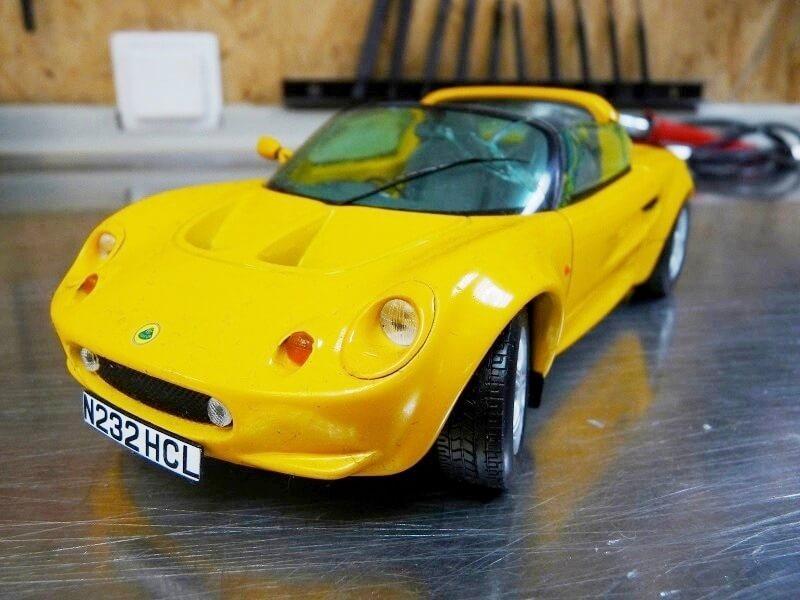 Restaurations de véhicules pour collection au 1/18éme Rep_le14