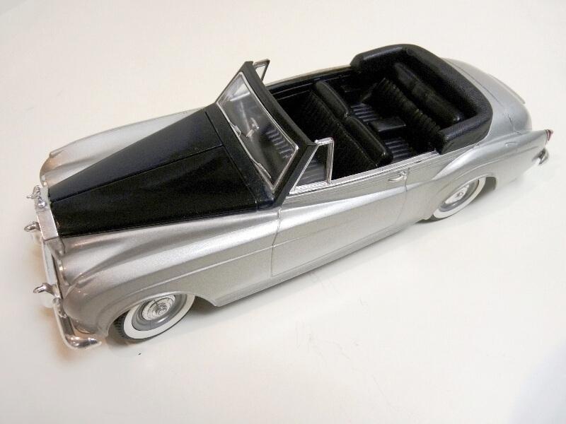 Rolls Royce Silver Cloud II Cabriolet - 1961 - Solido 1/20 ème Rolls_77