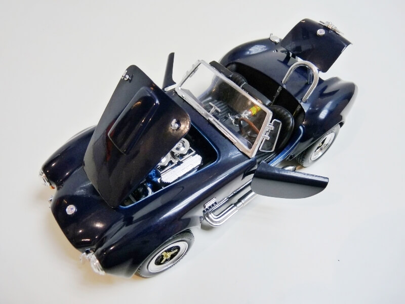 Shelby Cobra 427 S/C - 1966 - Road Tough 1/18 ème Shelby20