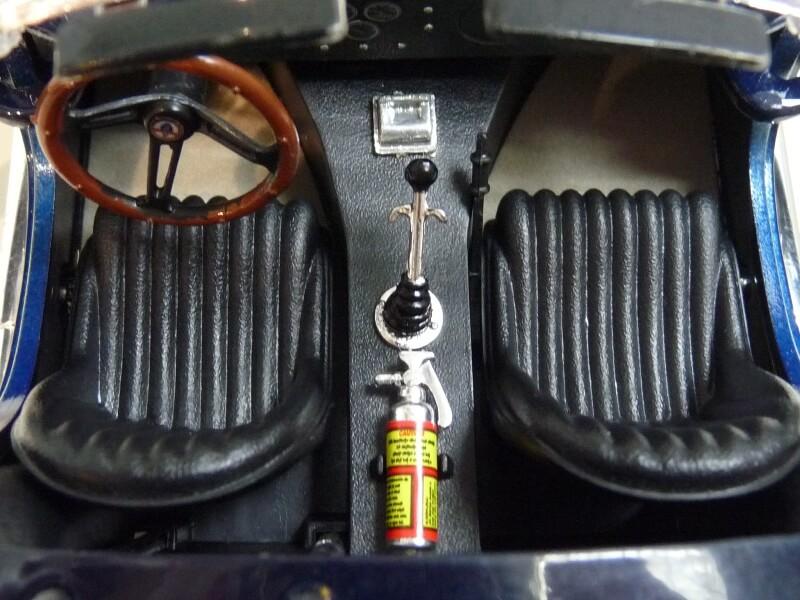 Shelby Cobra 427 S/C - 1966 - Road Tough 1/18 ème Shelby25