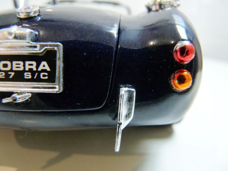Shelby Cobra 427 S/C - 1966 - Road Tough 1/18 ème Shelby27
