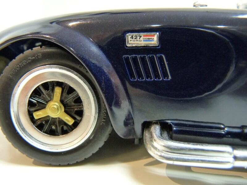 Shelby Cobra 427 S/C - 1966 - Road Tough 1/18 ème Shelby31