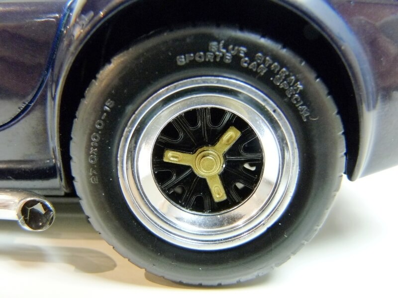 Shelby Cobra 427 S/C - 1966 - Road Tough 1/18 ème Shelby32