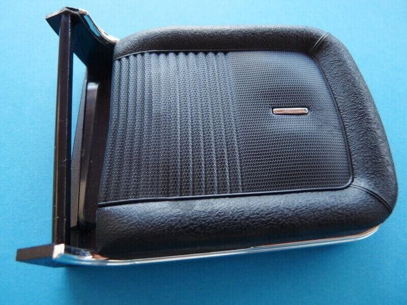 Shelby GT500 - 1967 - 1/8ème - Kit métal - Fascicules Altaya - Page 2 Shf_2210