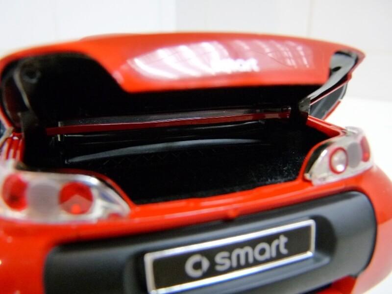 Smart Roadster - 2003 - Kyosho 1/18 ème Smart_28