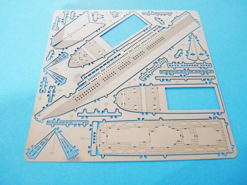Titanic 3D métal kit au 1/2000 ème T001110