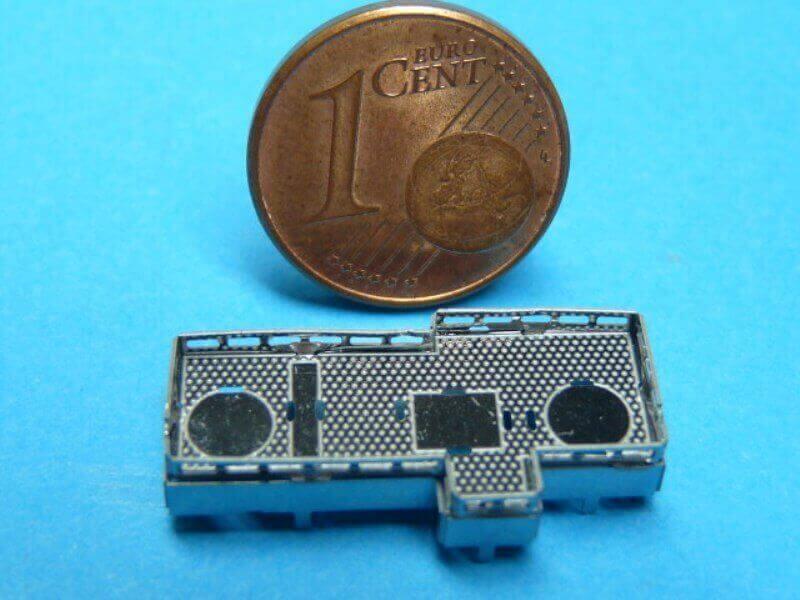 Titanic 3D métal kit au 1/2000 ème T003510