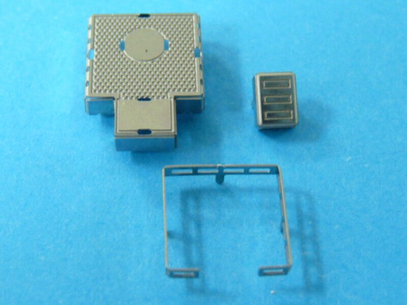 Titanic 3D métal kit au 1/2000 ème T008910