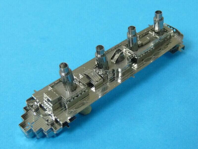 Titanic 3D métal kit au 1/2000 ème T014610