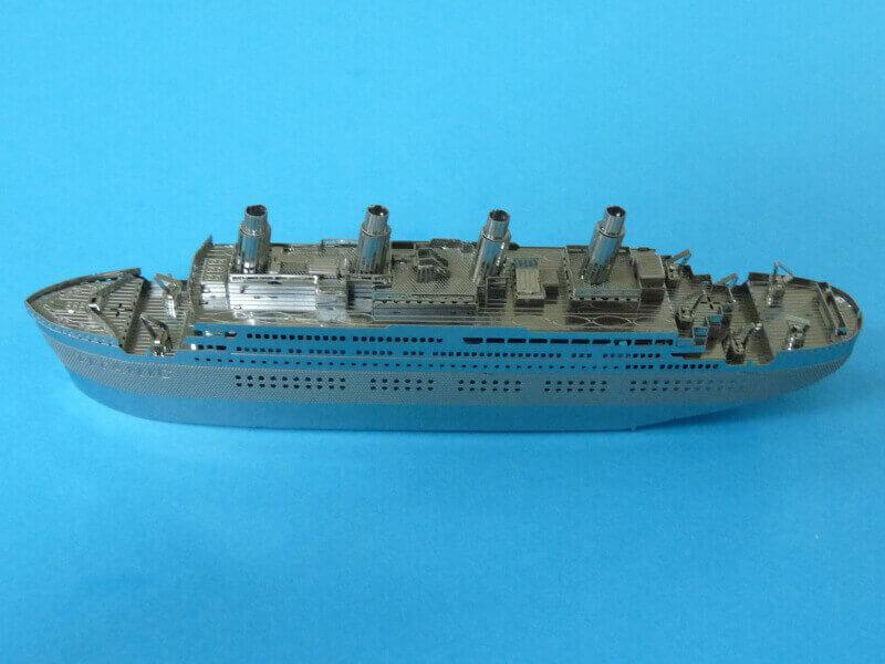Titanic 3D métal kit au 1/2000 ème T017210