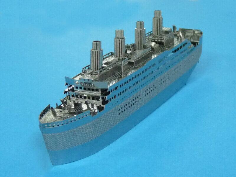 Titanic 3D métal kit au 1/2000 ème T017510