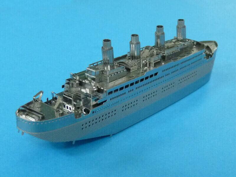Titanic 3D métal kit au 1/2000 ème T017610