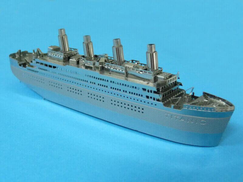 Titanic 3D métal kit au 1/2000 ème T017810