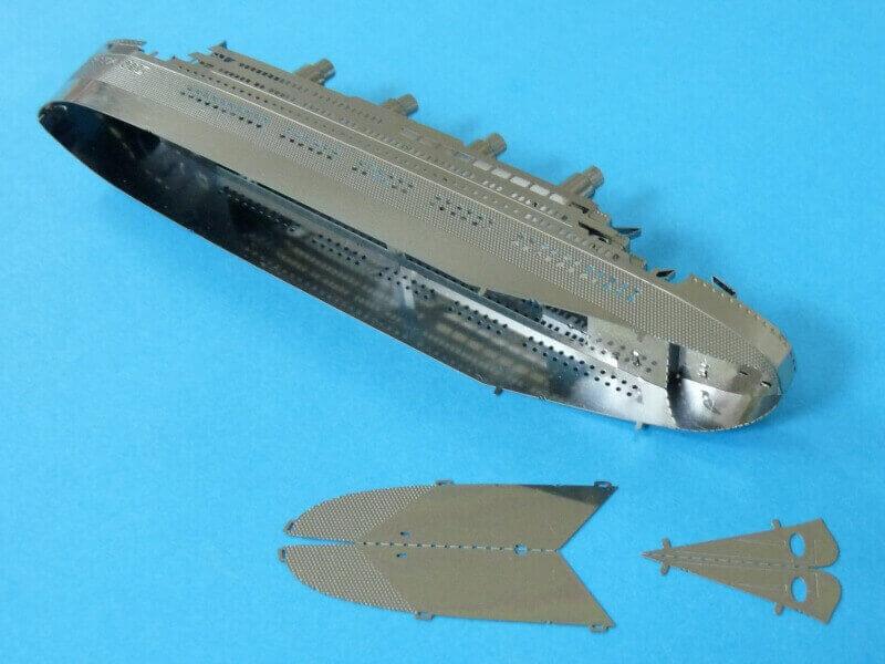 Titanic 3D métal kit au 1/2000 ème - Page 2 T018210