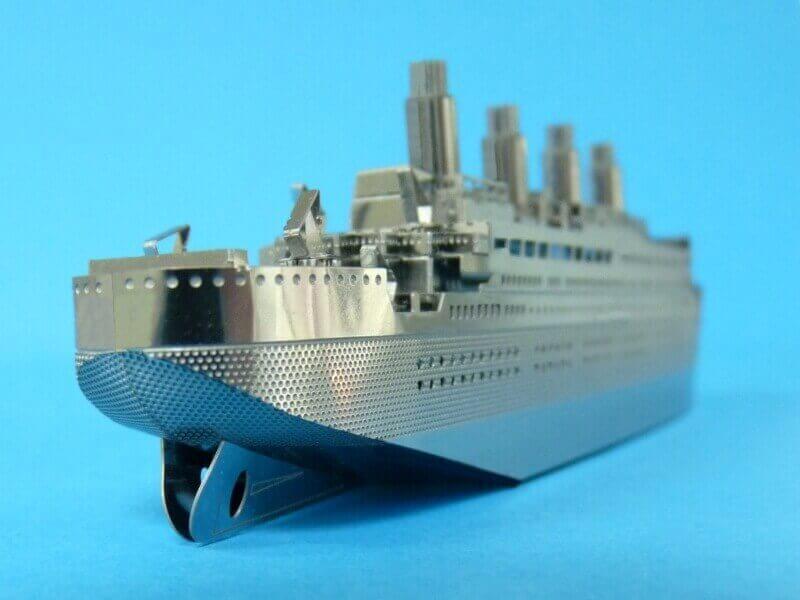 Titanic 3D métal kit au 1/2000 ème - Page 2 T019010