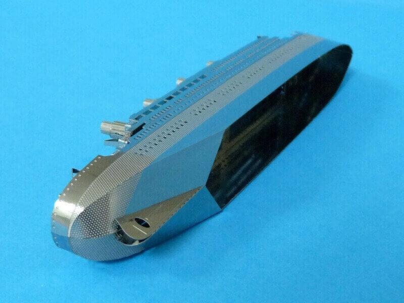 Titanic 3D métal kit au 1/2000 ème - Page 2 T0191a10