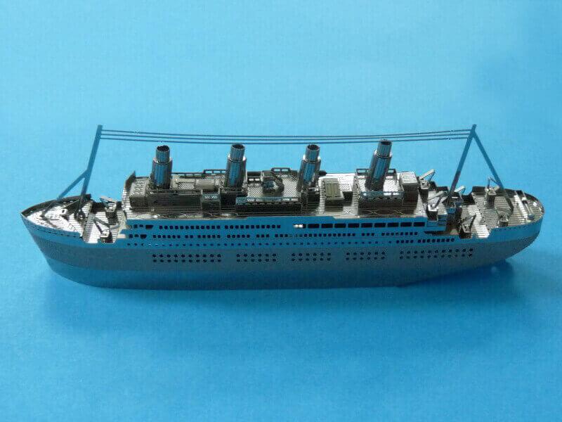 Titanic 3D métal kit au 1/2000 ème - Page 2 T020110