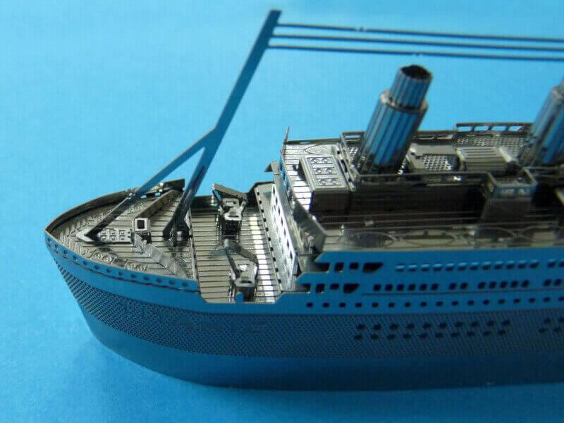 Titanic 3D métal kit au 1/2000 ème - Page 2 T020210