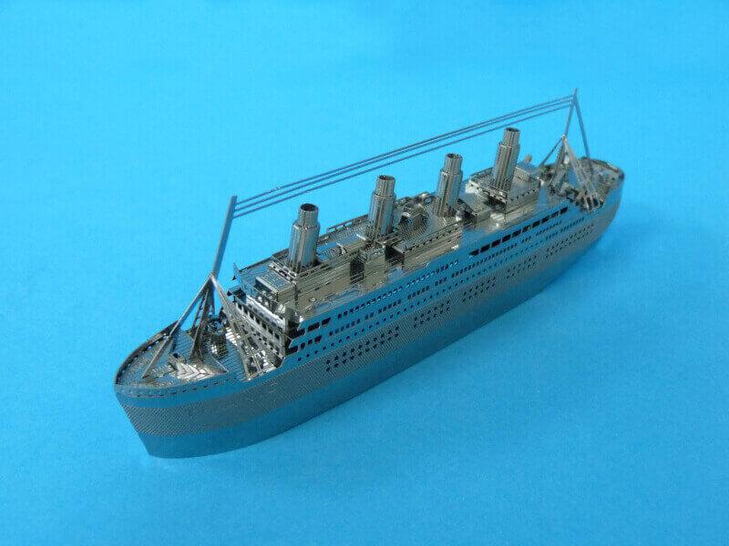 Titanic 3D métal kit au 1/2000 ème - Page 2 T022010