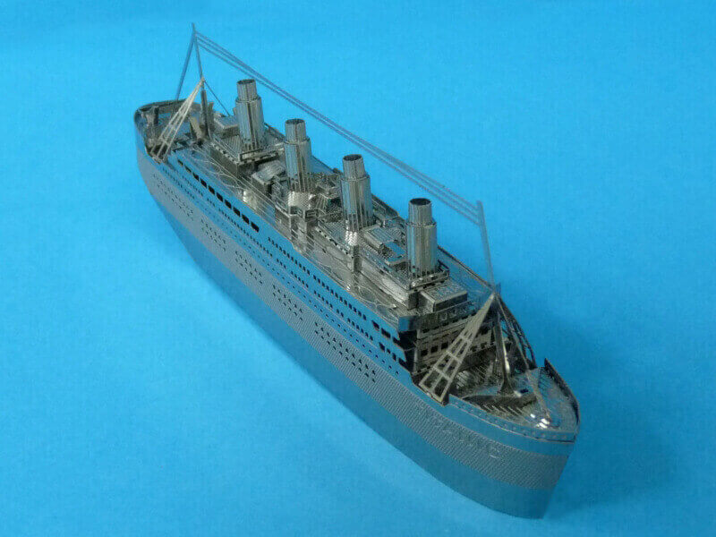 Titanic 3D métal kit au 1/2000 ème - Page 2 T022110