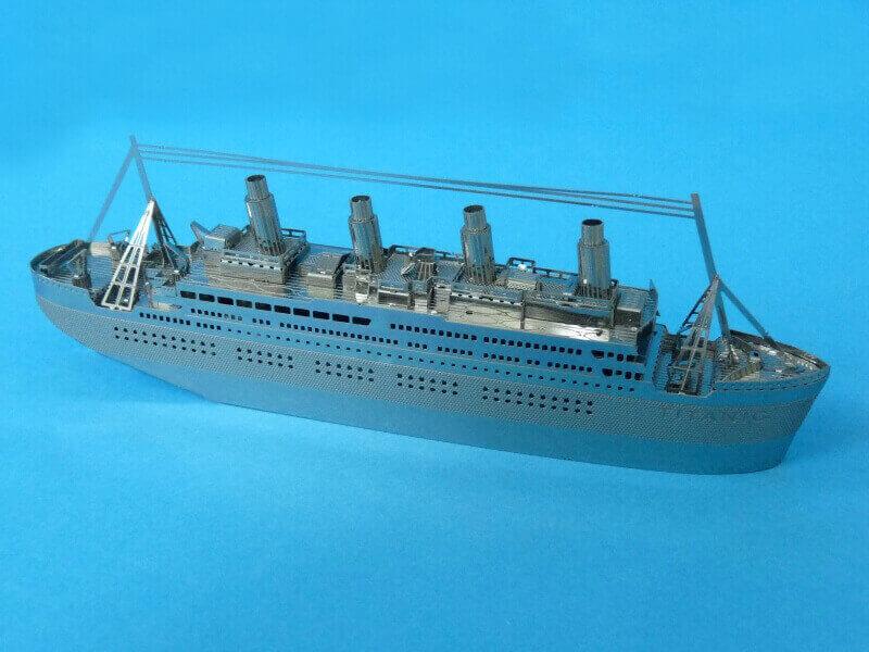 Titanic 3D métal kit au 1/2000 ème - Page 2 T022210