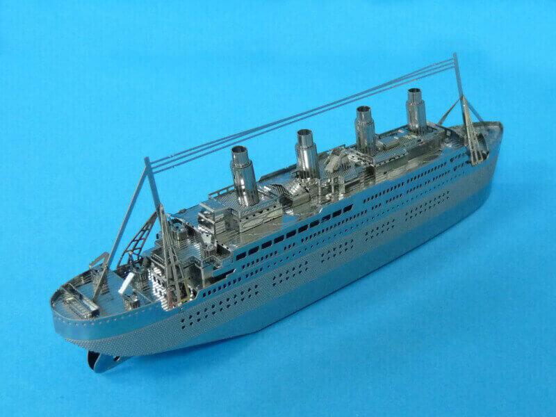 Titanic 3D métal kit au 1/2000 ème - Page 2 T022310