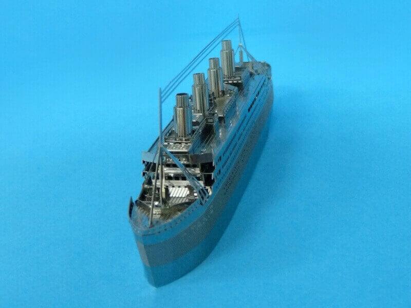 Titanic 3D métal kit au 1/2000 ème - Page 2 T022510