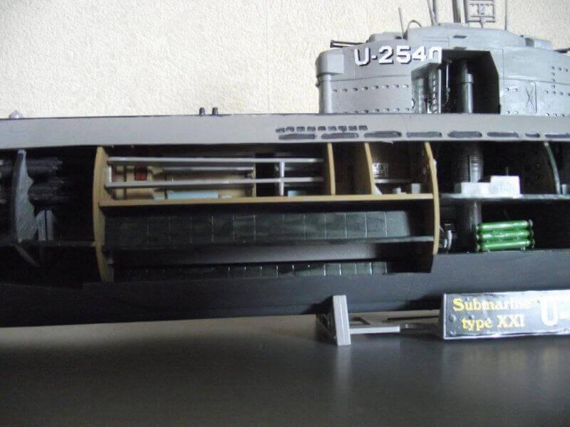 Sous marin Type XXI Revell au 1/144 par denis25 Ty00510