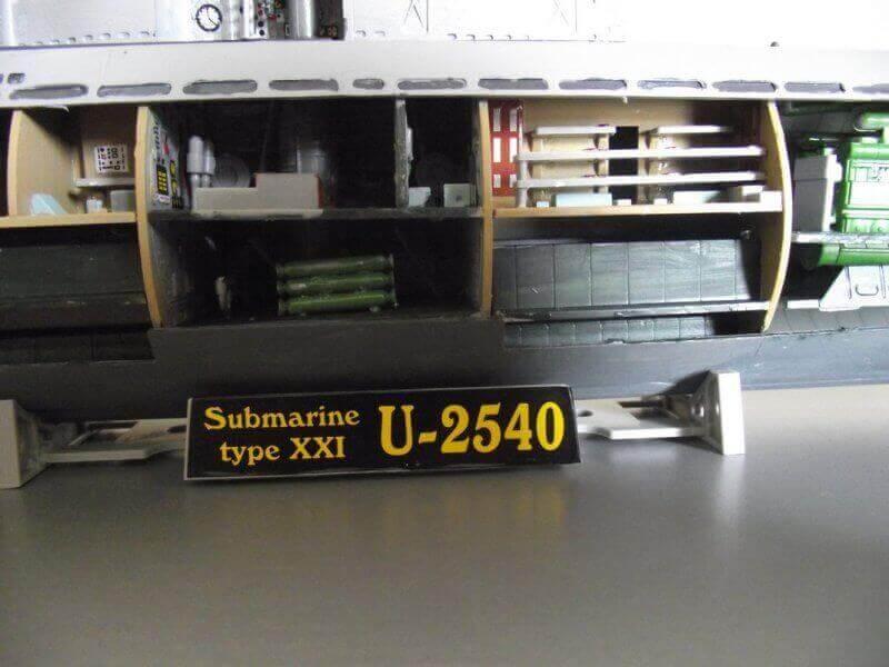 Sous marin Type XXI Revell au 1/144 par denis25 Ty00610