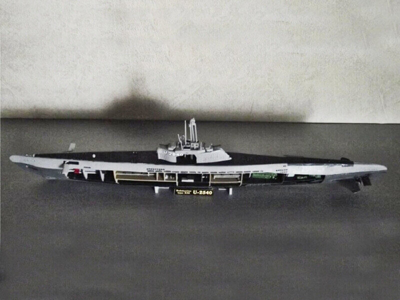 Sous marin Type XXI Revell au 1/144 par denis25 Ty01310