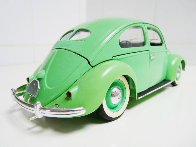 Volkswagen Coccinelle Berline - 1949 - Solido 1/18 ème Volksw14