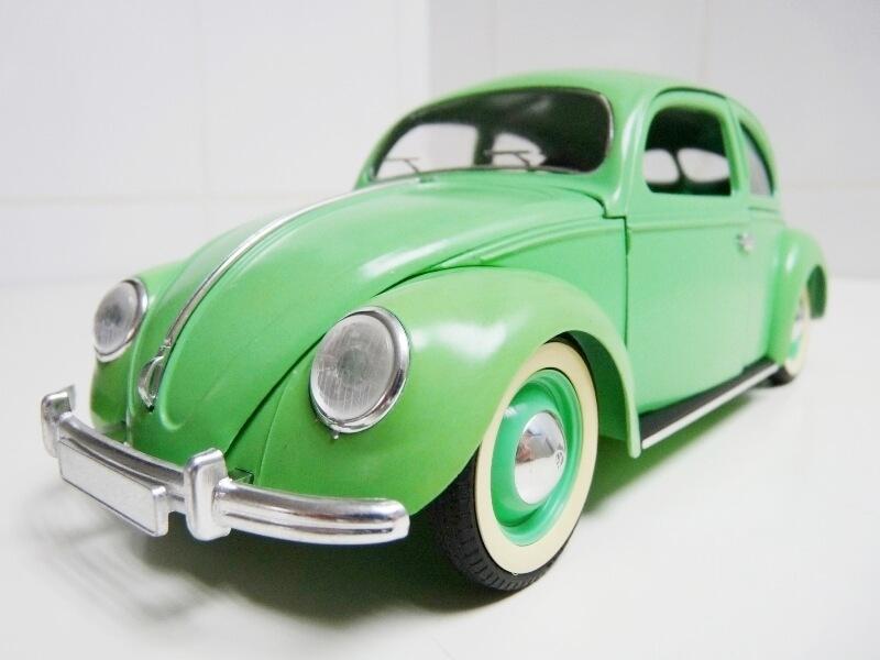 Volkswagen Coccinelle Berline - 1949 - Solido 1/18 ème Volksw23