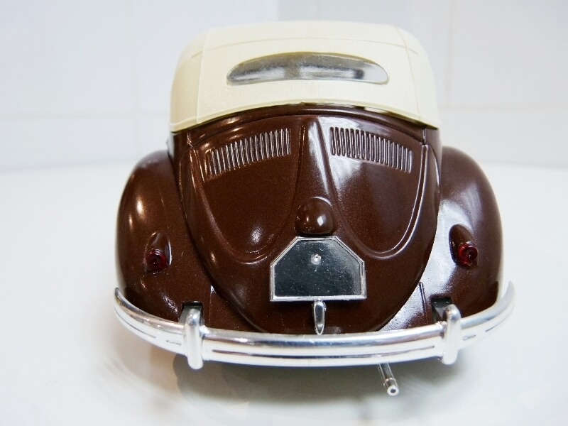 Volkswagen Coccinelle Cabriolet - 1949 - Solido 1/18 ème Volksw30