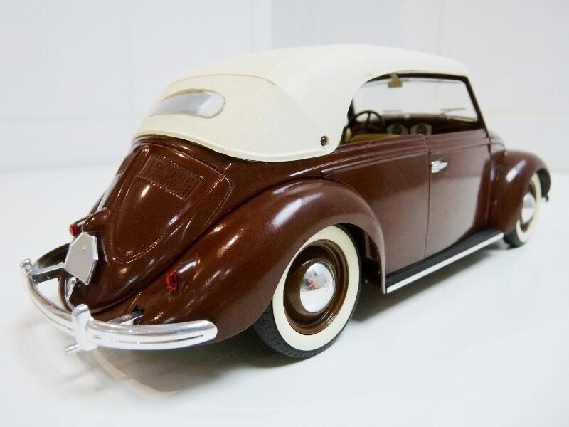 Volkswagen Coccinelle Cabriolet - 1949 - Solido 1/18 ème Volksw31