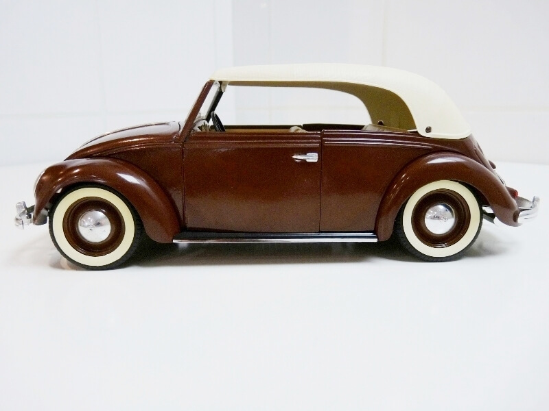 Volkswagen Coccinelle Cabriolet - 1949 - Solido 1/18 ème Volksw35