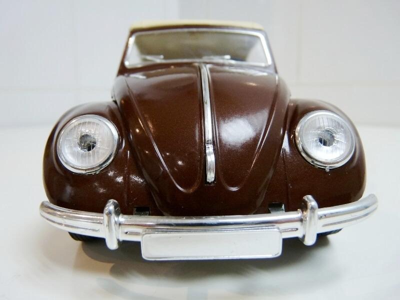 Volkswagen Coccinelle Cabriolet - 1949 - Solido 1/18 ème Volksw38