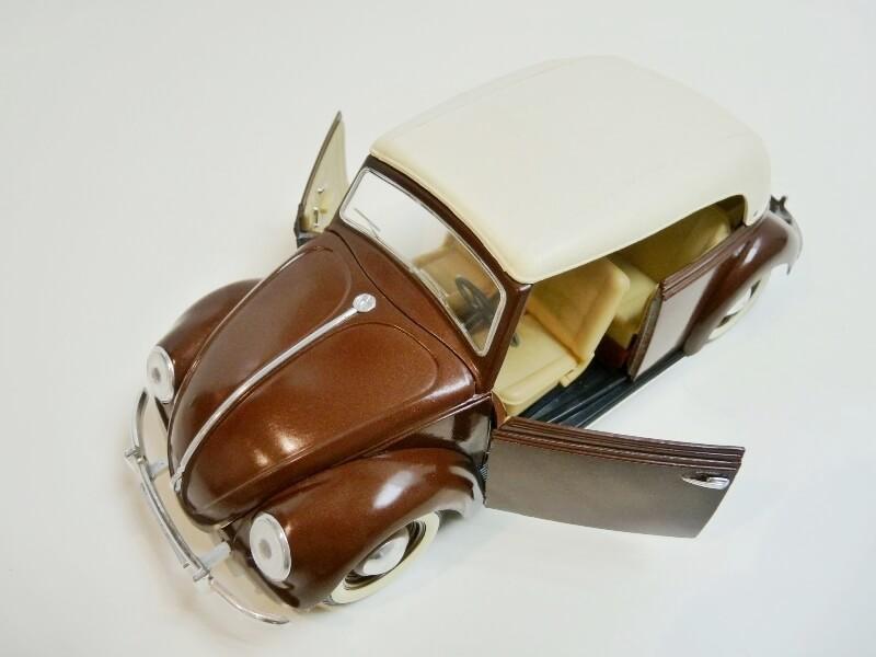 Volkswagen Coccinelle Cabriolet - 1949 - Solido 1/18 ème Volksw40